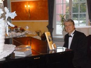Piano Hintergrundmusik bei einem Geburtstag im Schloss Oberhausen