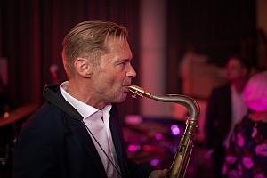 """Saxophon - Klavier Duo mit Dinnermusik, hochzeitsmusik, für hochzeit, geburstag, Fest und Feier, Barmusik, Swing, Jazz, Blues, Evergreens, Lounge, Gala, Messe, Gartenparty, """""""