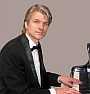 Der Pianist, Pianospieler, Klavierspieler, Alleinunterhalter H. Kleine-Horst spielt für Sie dezentes Solo-Piano mit Evergreens, Musical, Barjazz, Basrmusik, Pop, Swing, Operette, Klassik für Hochzeit, Geburtstag, Feier, Party, Jubiläum